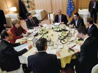 Image: French President, François Hollande, German Chancellor, Angela Merkel, Eurogroup President, Jeroen Dijsselbloem, Commission President, Jean-Claude Juncker, Greek Prime Minister, Alexis Tsipras, European Council President, Donald Tusk, Secretary-General of the Council of the EU, Uwe Corsepius, and President of the European Central Bank, Mario Draghi, discuss the state finances of Greece, Brussels, 19 March 2015. © European Union
