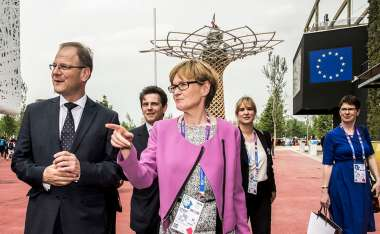 Image: Commissioner Tibor Navracsics and European Parliament Vice-President Mairead McGuinness visit the Universal Exhibition, Milan, Italy, 8 May 2015. © European Union