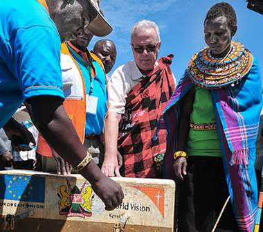 Image: Commissioner Neven Mimica at a water well during his visit to Samburu County, Kenya, 18 September 2015. © European Union