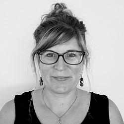 Julia URHAUSEN